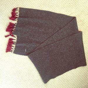 NWOT J crew scarf, wooly knit w burgundy tassels
